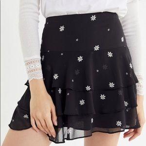 NWT UO Ruffle Daisy 90s Skirt
